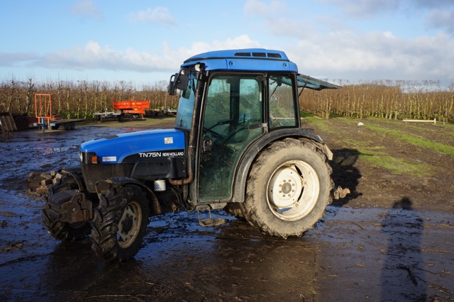 New holland TND75-4-WD2